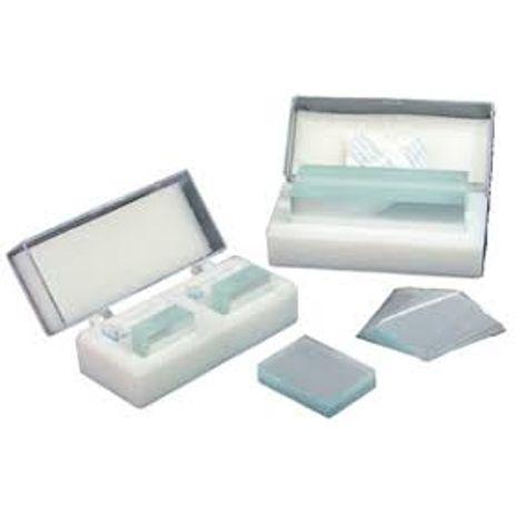 Laminula de Vidro para Microscopia 20X20mm - Pct Selado c/ 10 caixas